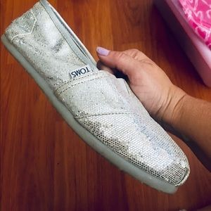 Worn a few times Cute Comfortable Toms Shoes